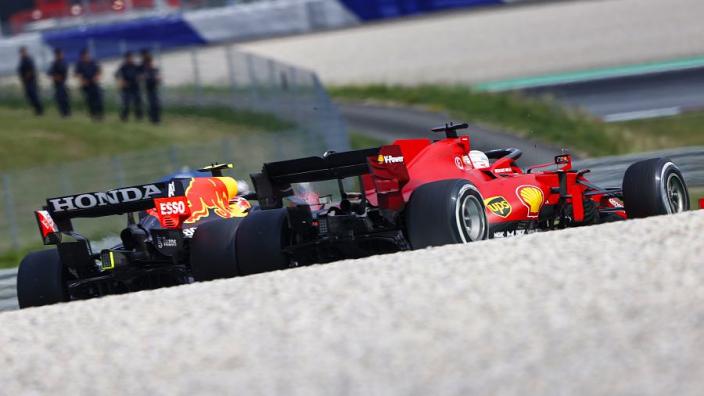 Horner vreest voor 'schwalbes' door FIA: 'Ze scheppen hiermee een verkeerd precedent'