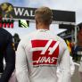 """Magnussen schaart zich achter Verstappen: """"Praat zelfs met zijn vrouw en kinderen"""""""