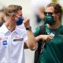 Schumacher treedt in voetsporen van vader Michael en mentor Vettel met Parc Fermé-ritueel