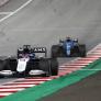 "Alonso: ""Denk dat Russell bij Mercedes de kans krijgt op podiums en zeges"""