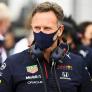 """Horner woest na 'onterecht verhaal' over Verstappen: """"Hamilton was de agressieve"""""""