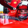 """Villeneuve voorspelt onderlinge strijd bij Ferrari: """"Sainz is het echte gevaar voor Leclerc"""""""