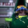 IN BEELD: Mick Schumacher stapt in auto waarmee vader Michael debuteerde