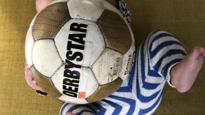 Derby Star 5 in de wieg, boeken voorlezen over EK '88: zò word je een echte voetbalvader